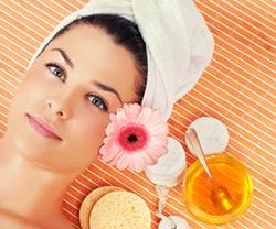 Cosmetici naturali fai da te con miele biologico
